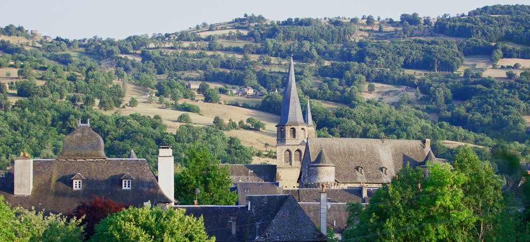 Vue générale de Saint-Côme-d'Olt en Aveyron
